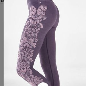 Fabletics Seamless Mid-Rise Seamless Butterly 7/8